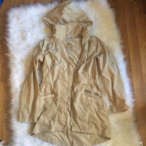 Women's rain coat NWOT